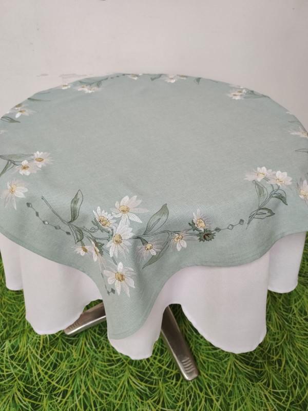 Каре за маса с бродерия -  Бели маргарити